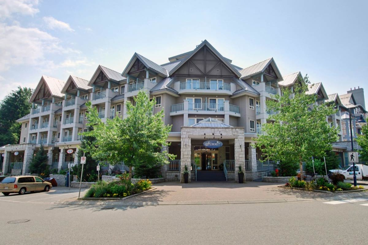 Summit Lodge And Spa Whistler Hotel